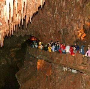 Excursión a la Cueva de Valporquero